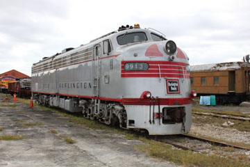 CBQ EMD E9 #9913, Gold Coast Railroad Museum