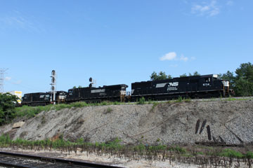 NS EMD SD60 #6714, GE C40-9W #9591 & GE C40-9W #9907, Grand Junction