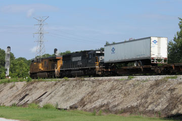 UP GE C45ACCTE #7716 & NS EMD SD60 #6577, Grand Junction